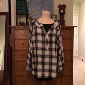 Avenue - Light weight flannel feel plaid top